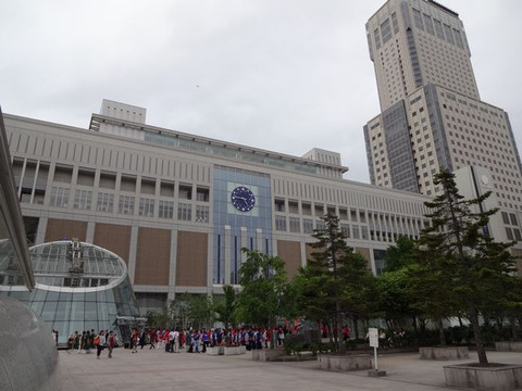 Sapporo_station_south_exit