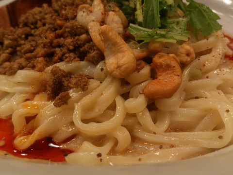 Motchiri_flat_out_noodles