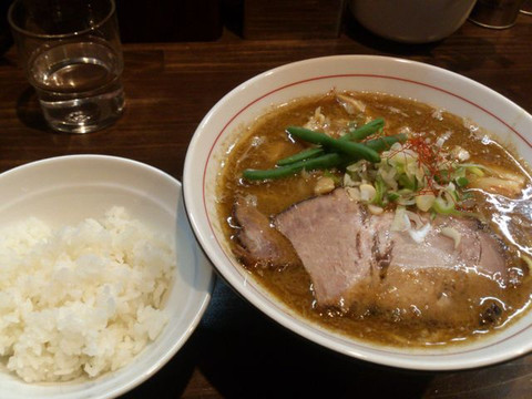 Curry_and_small_rice