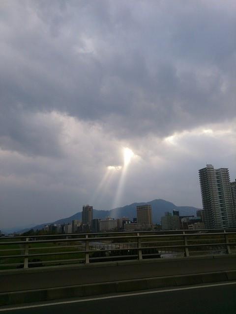 Crepuscular_rays