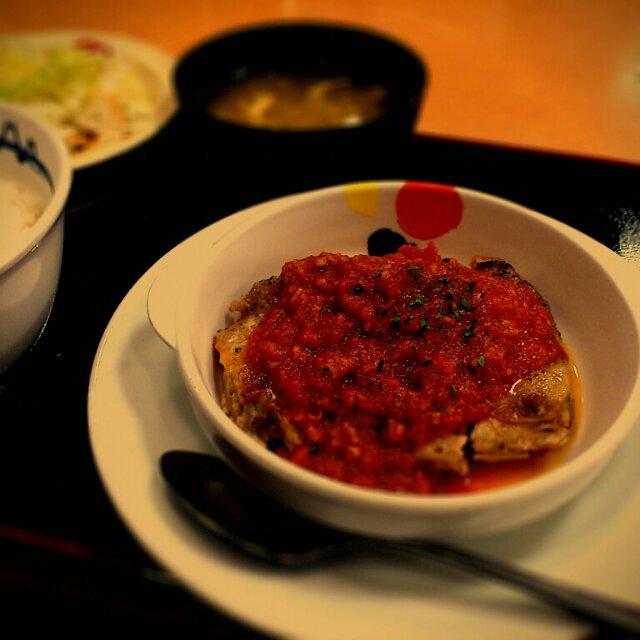 松屋 チキントマトガーリック定食