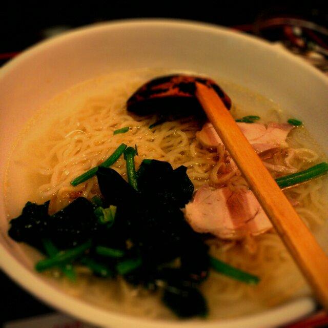 紅燈籠 鶏がらスープ麺
