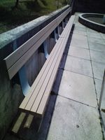 Moere_bench