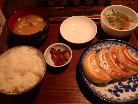 Black_pig_gyoza_rice
