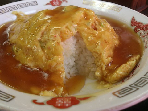 Sauce_rice_wrapped_in_egg