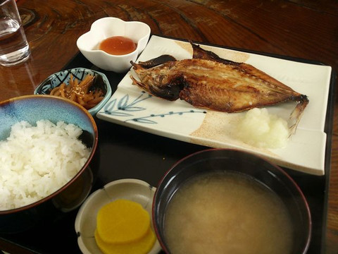 Grilled_fish_set_meal